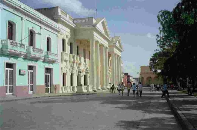 VIAJES A LA HABANA – SANTA CLARA – CAYO SANTA MARIA – VARADERO - Buteler en el Caribe